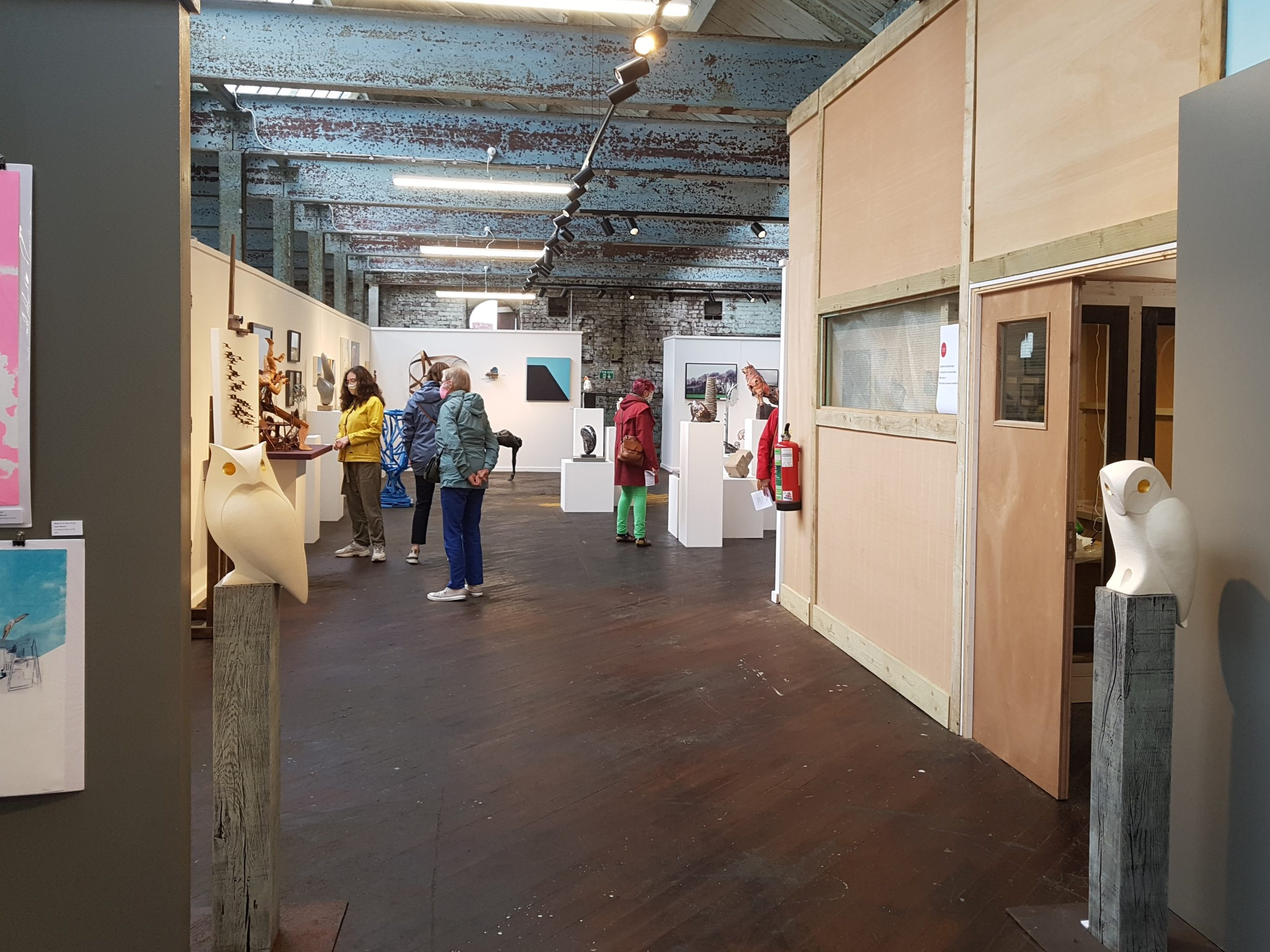 Sculpture Lounge Summer Exhibition 2021 Gallery Visitors
